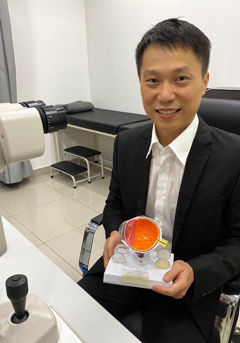 Dr-Lim-Ching-Wei3